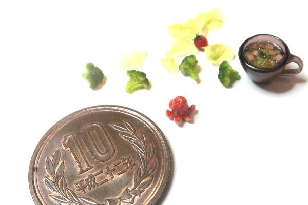 ミニチュア 食品サンプル タコウインナー ブロッコリー スープ