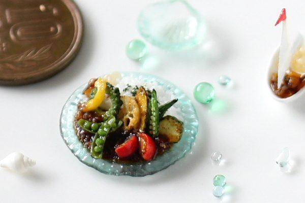 ミニチュア 食品サンプル 夏野菜カレー