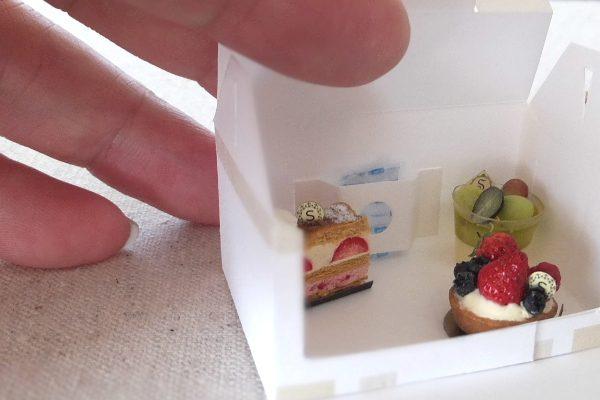 cake ミニチュア ケーキ 保冷剤は箱のポケットへ