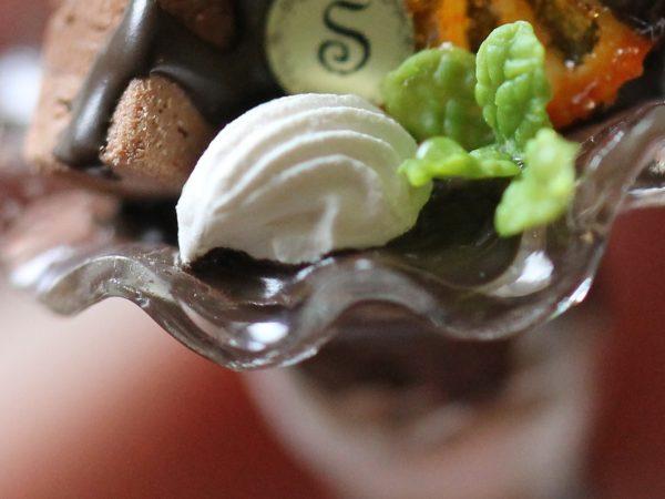 ミニチュア パフェ マンゴー チョコ